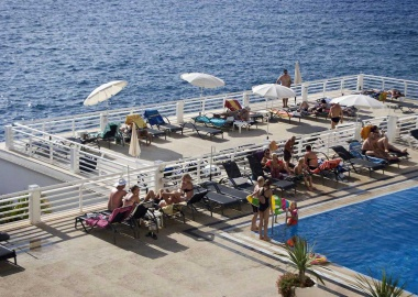 atlantic-holiday-apartment-teide-teneriffa-salzwasserpool_1494773973.jpg