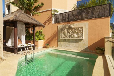 royal-garden-villas-teneriffa-villa-majestic-pool_1495186098.jpg